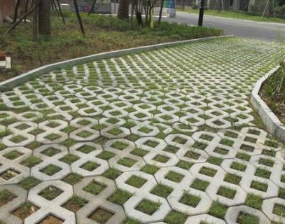 植草草坪砖机生产厂家