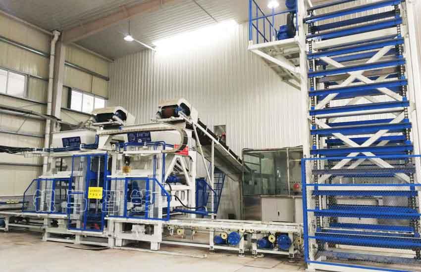 免烧砖制砖机器:有关两种皮带机驱动装置的优缺点